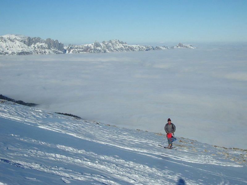 skifahrer wintertourismus vorarlberg