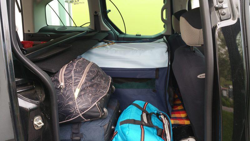 Packliste Urlaub mit Hund Auto
