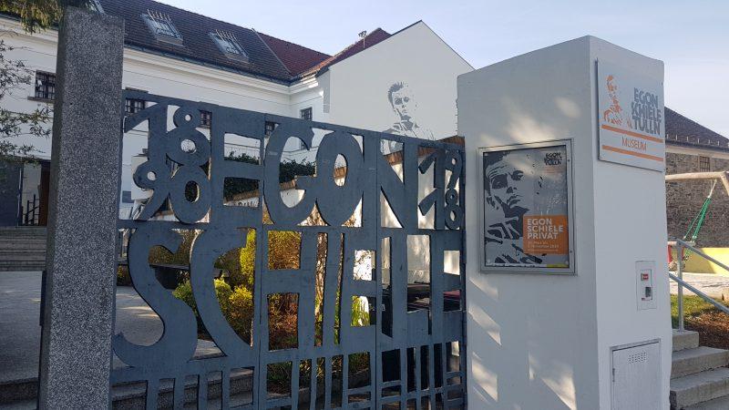 An der Donaulände in Tulln: das Egon Schiele Museum