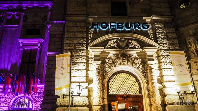 Ballguide Hofburg Eingang
