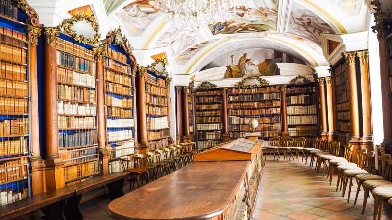 klosterbibliothek stift reichersberg