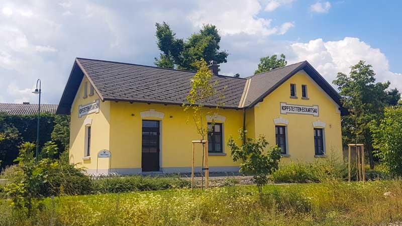 Bahnhof beim Schloss Eckartsau