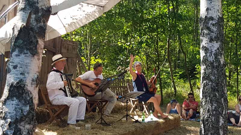 Bühne bei der Fischerhütte am Herrensee in Litschau Schrammelklang