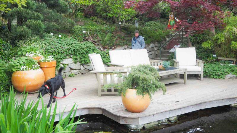 Teich Kittenberger Erlebnisgärten mit Hund Terrasse