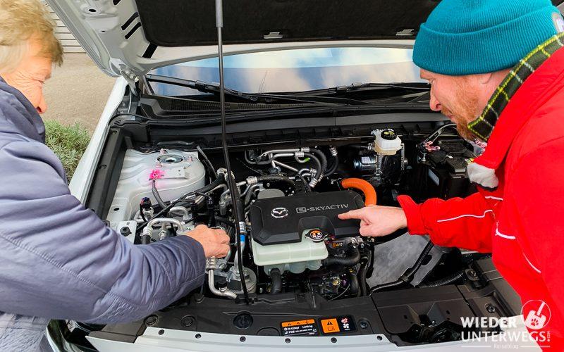 elektroauto motorhaube