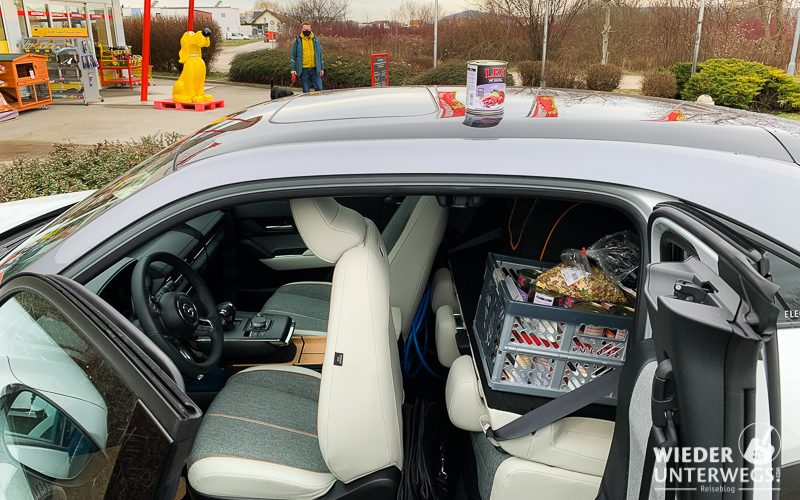 einkaufen mit elektroauto mazda