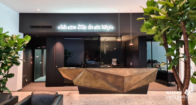 Rezeption Hotel Goldenes Schiff