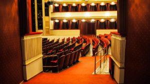 Statt in´s Theater: Kultur Digital und Virtuell während der Corona Krise .