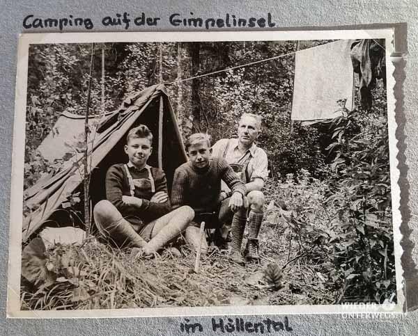 Papa mit Opa im Höllental 1961 Camping