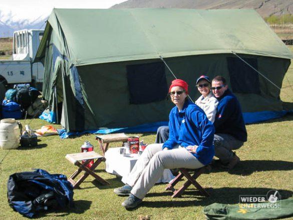Mit Freunden Im Zelt In Tibet