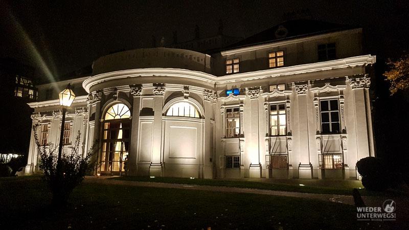 Das Hotel Schani hat auch einen Salon: Auf der Mariahilferstraße in ...