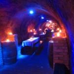 Das gibts nur im Weinviertel. Unterirdisch im Keller abtanzen.