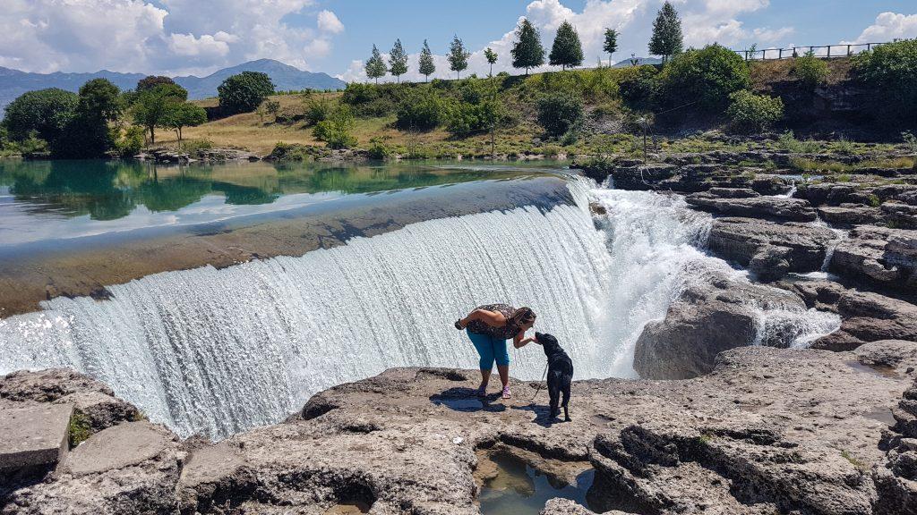 Montenegro Urlaub die kleinen Wasserfälle