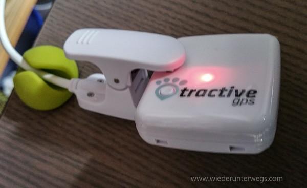 Aufladen Tractive GPS Tracker für Hunde